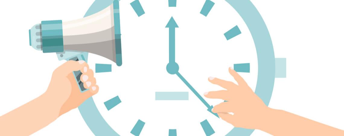 Uhr und Megafon