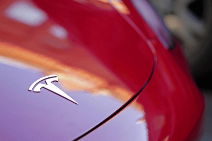 Auto von Tesla in der Nahaufnahme
