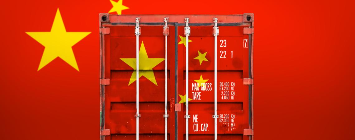 Container mit chinesischer Flagge