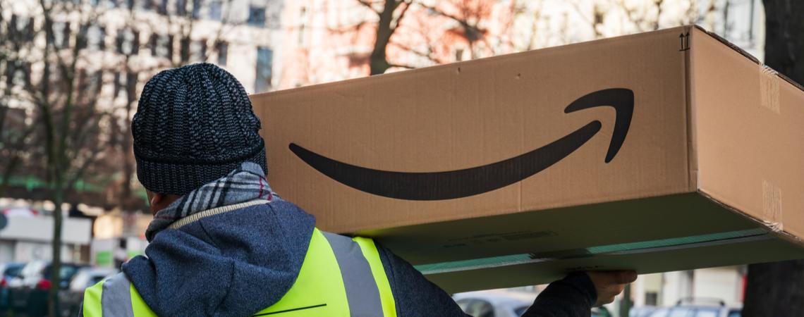 Amazon-Paket wird ausgeliefert