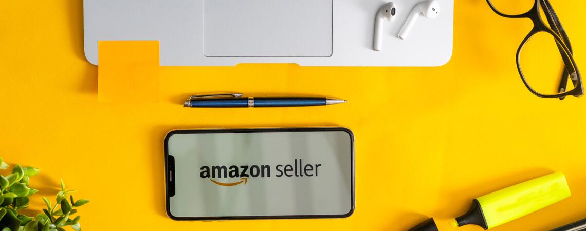 Laptop und Handy mit Amazon Seller