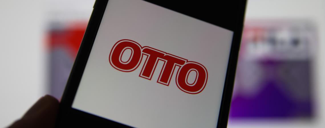Otto-Logo auf Smartphone