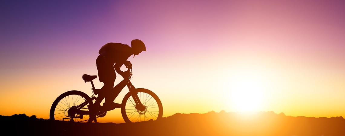 Mountainbike-Fahrer Sonnenuntergang