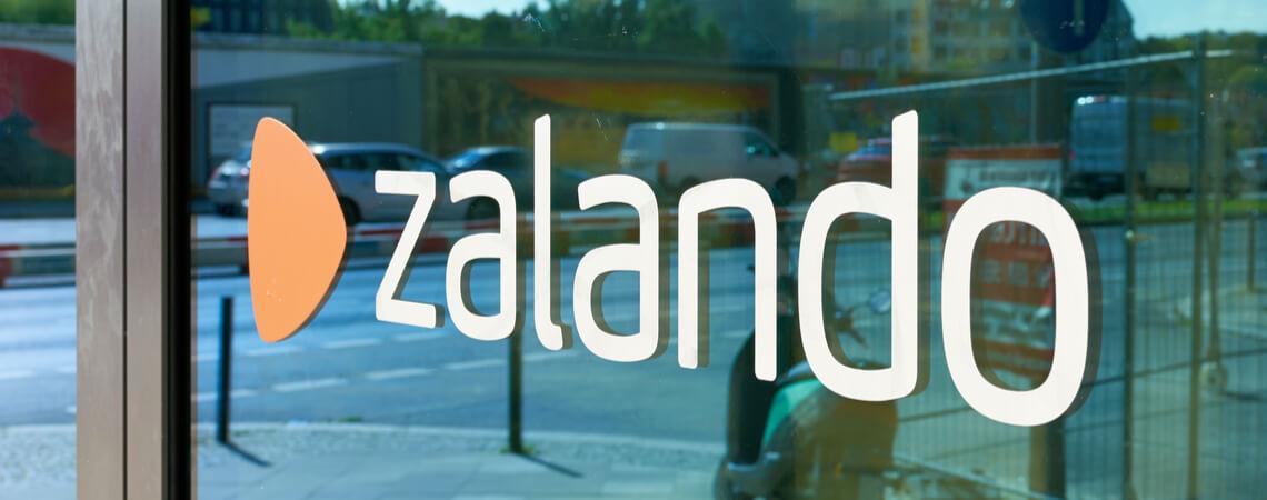 Zalando-Logo auf einem Gebäude